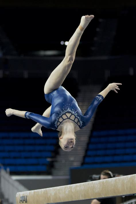 UCLA gymnastics glides to easy win against Arizona in home