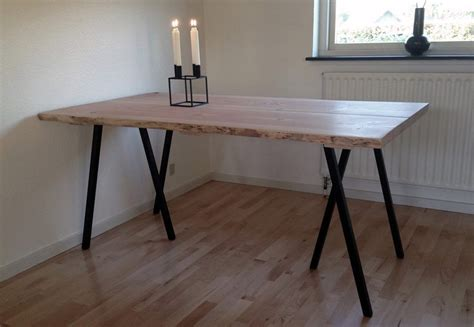 Plank table made of Douglas planks from http://www