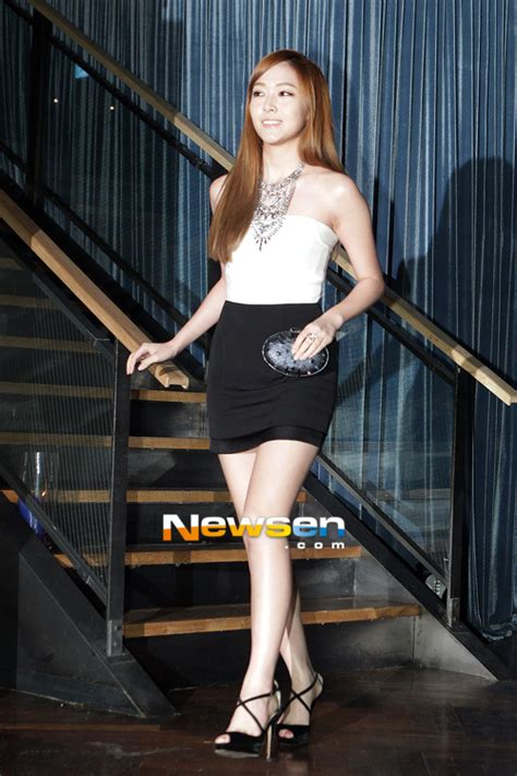 SNSD's Jessica looks like a doll at the Demin's Fashion