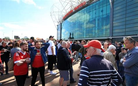 Bomb Scare At Old Trafford As Man Utd Game Called Off