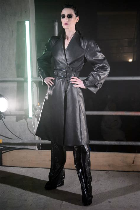 Gareth Pugh Fall 2017 Ready-to-Wear Collection - Vogue